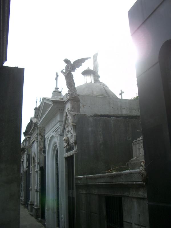 Buenos Aires 2005 - recoleta cemetery 2