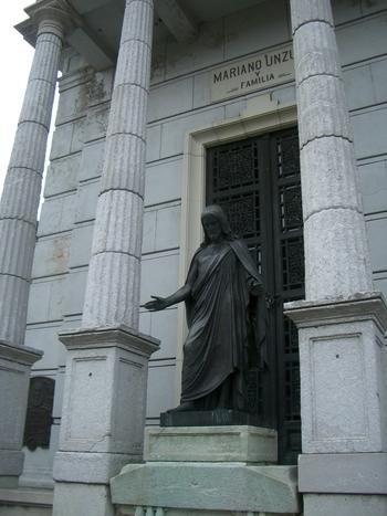 Buenos Aires 2005 - recoleta cemetery 44
