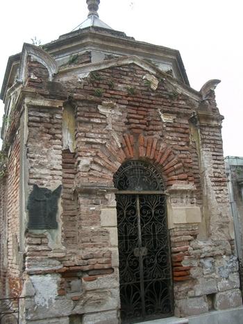 Buenos Aires 2005 - recoleta cemetery 20