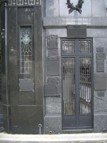 Buenos Aires 2005 - recoleta cemetery 14