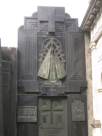 Buenos Aires 2005 - recoleta cemetery 6