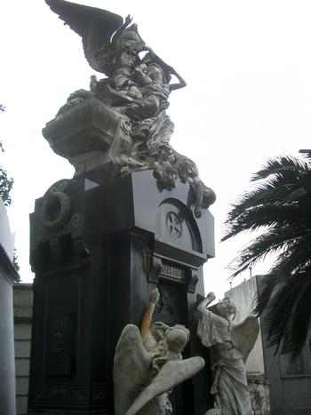 Buenos Aires 2005 - recoleta cemetery 52