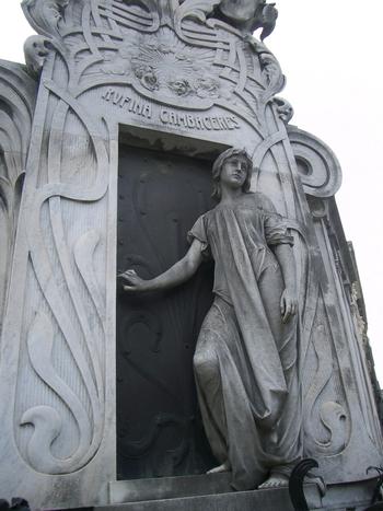 Buenos Aires 2005 - recoleta cemetery 42