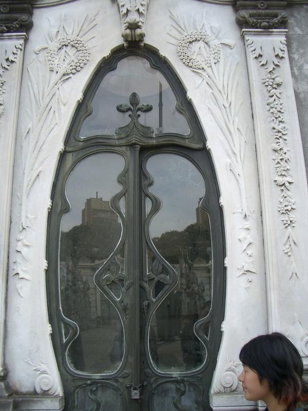 Buenos Aires 2005 - recoleta cemetery 38