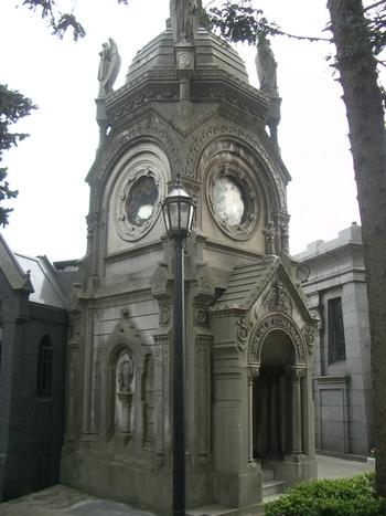 Buenos Aires 2005 - recoleta cemetery 10
