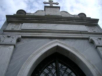Buenos Aires 2005 - recoleta cemetery 17