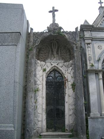 Buenos Aires 2005 - recoleta cemetery 46