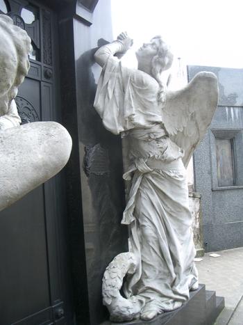 Buenos Aires 2005 - recoleta cemetery 8
