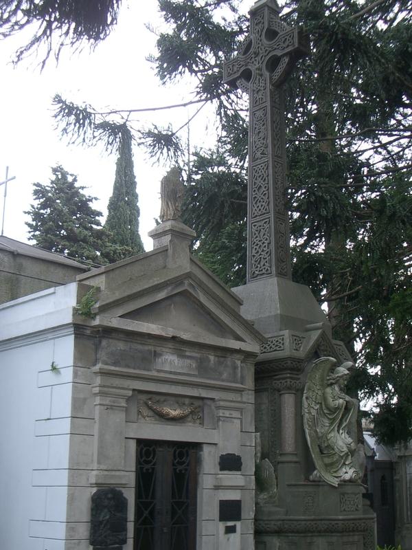 Buenos Aires 2005 - recoleta cemetery 49