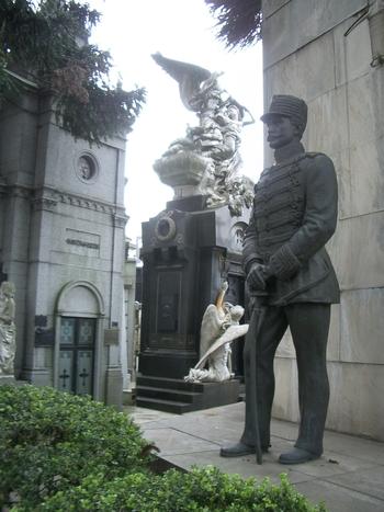 Buenos Aires 2005 - recoleta cemetery 50