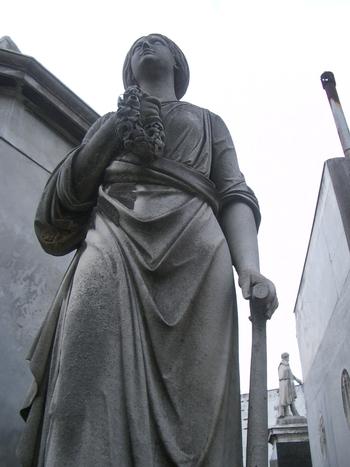 Buenos Aires 2005 - recoleta cemetery 41