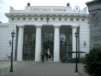 Buenos Aires 2005 - recoleta cemetery 53