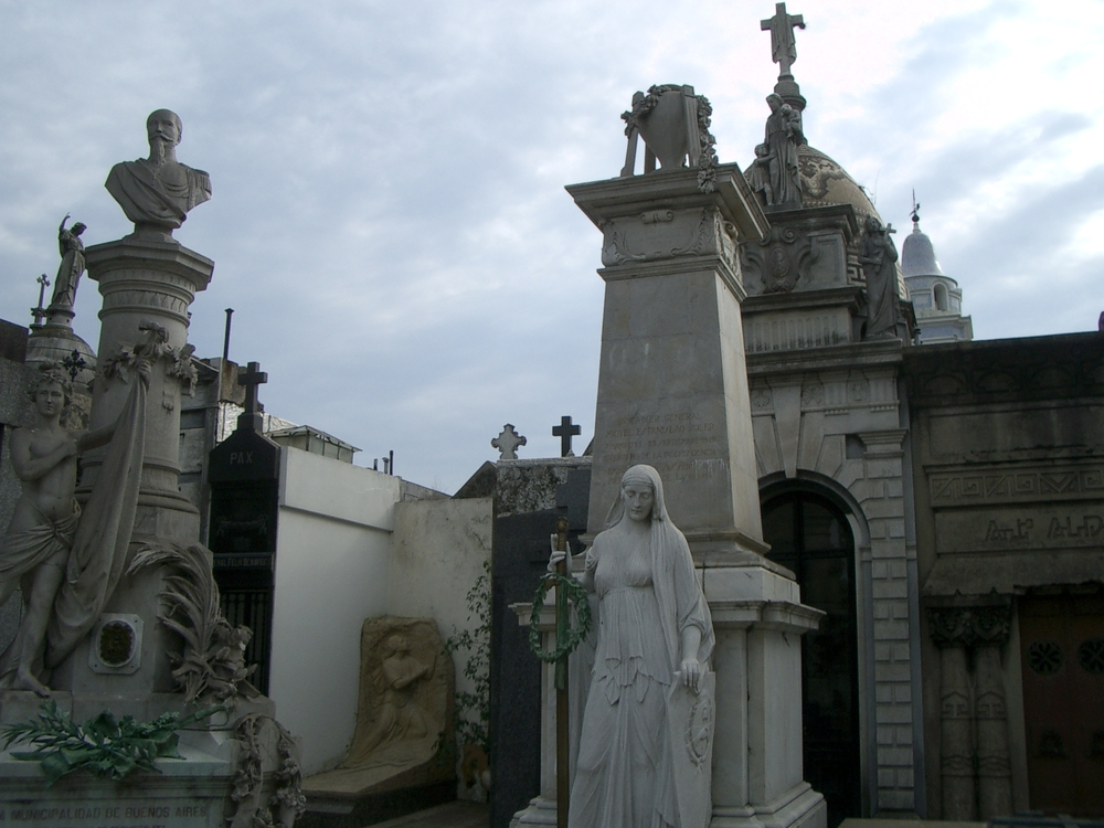 Buenos Aires 2005 - recoleta cemetery 1