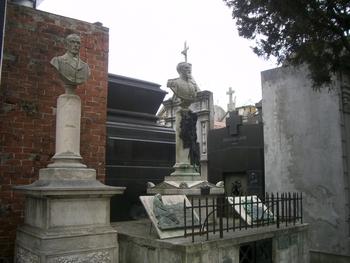 Buenos Aires 2005 - recoleta cemetery 11