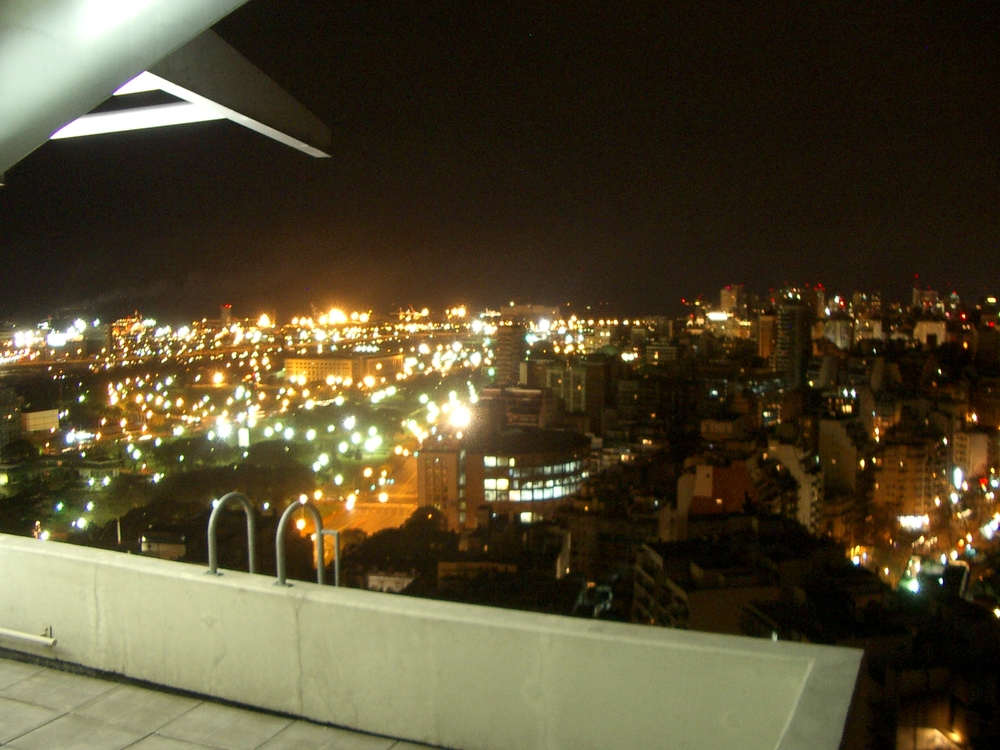 Buenos Aires 2005 - night skyline 11