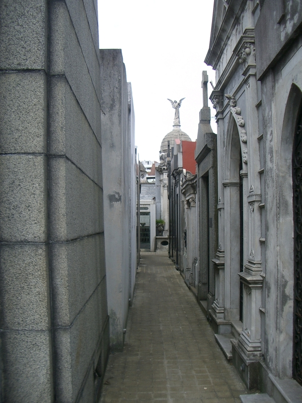 Buenos Aires 2005 - recoleta cemetery 19