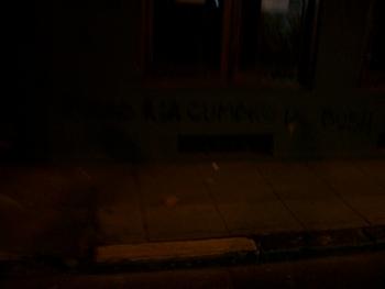 Buenos Aires 2005 - anti-bush graffiti