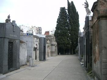 Buenos Aires 2005 - recoleta cemetery 22