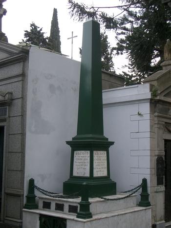 Buenos Aires 2005 - recoleta cemetery 48