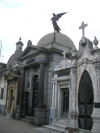 Buenos Aires 2005 - recoleta cemetery 45