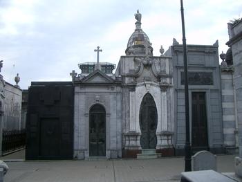 Buenos Aires 2005 - recoleta cemetery 36