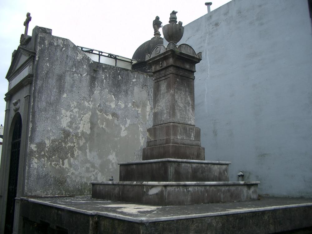 Buenos Aires 2005 - recoleta cemetery 56